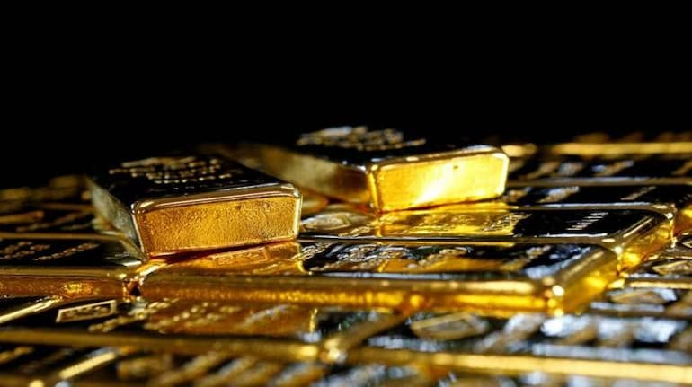 Gold Down, Loses Some of its Shine as U.S. Treasury Yields Firm